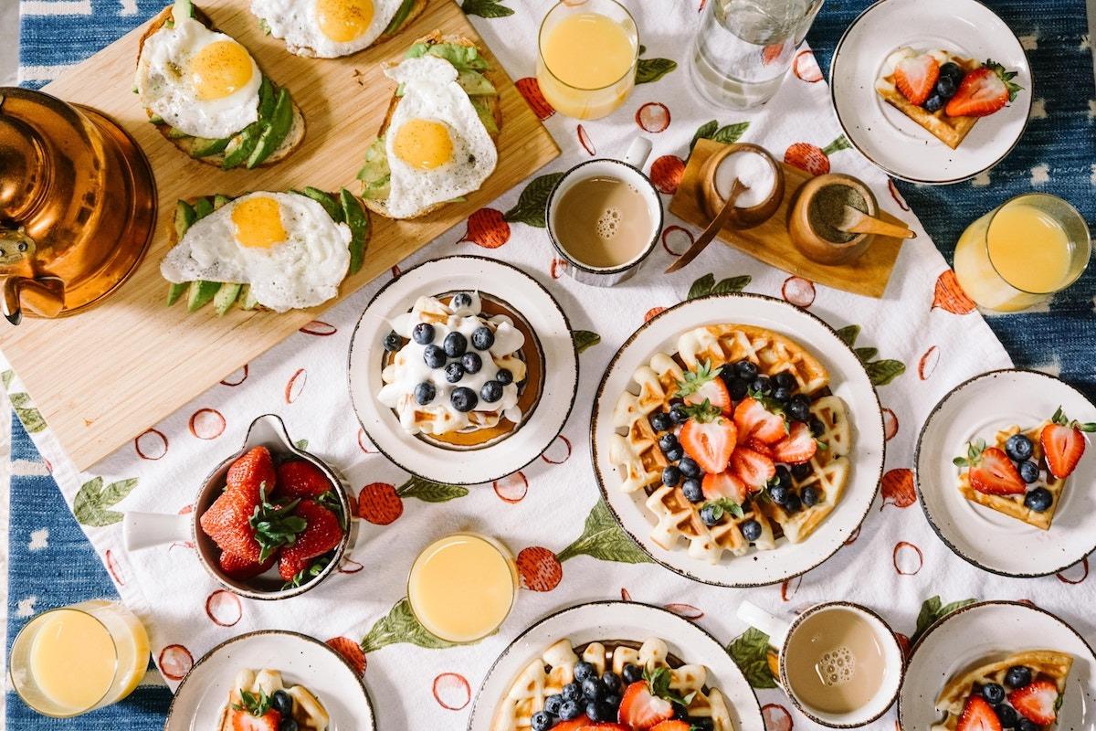 Iniziare la giornata con sana colazione -